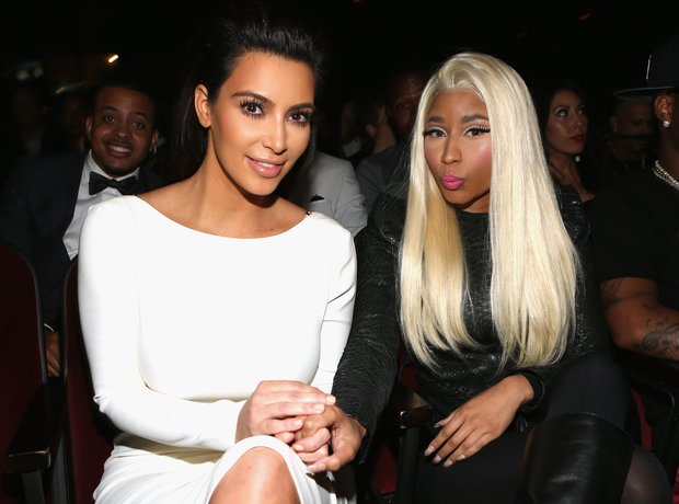 Kim Kardashian and Nicki Minaj photobombing