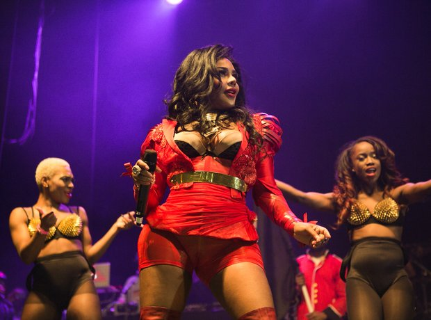 Lil Kim performs on stage at Indigo2 at O2 Arena