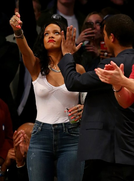 Rihanna basketball game