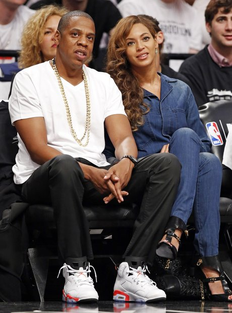Jay Z and Beyonce at the basketball