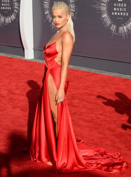 rita-ora-mtv-vmas-2014-red-carpet-140892