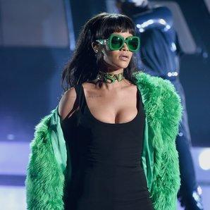 Rihanna Performance iHeartRadio Awards 2015