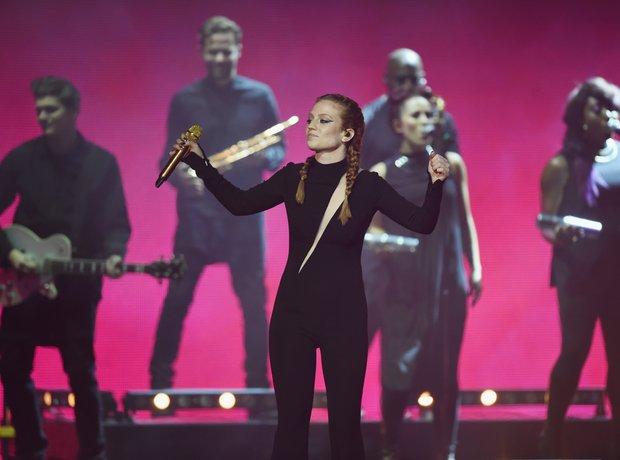 Jess Glynne MTV EMA's 2015 Live