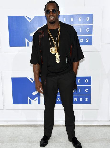 Sean Diddy Combs MTV VMAs Red carpet 2016