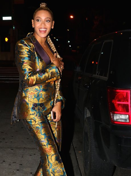 Beyonce has a wardrobe malfunction